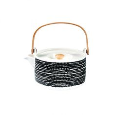 Marimekko teapot Marimekko, Galeries Lafayette, Kettle, Tea Pots, Kitchen Appliances, Tableware, Design, Architecture, Decor