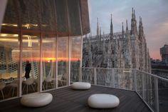 The cube restaurant, Milano  http://www.wewrite.it/Shopping/teatri-ristoranti-hotel-diventano-temporary.html