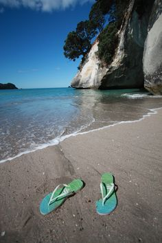 Jandals (flip-flops) on Cathedral Cove Beach, Coromandel, New Zealand! Bay Of Islands, Kiwiana, The Beautiful Country, East Coast, New Zealand, Beaches, Cathedral, Flip Flops, Waves