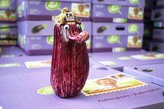 Have a 'nose' weekend ;) #aubergine #organic #natureandmore #weekend
