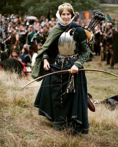 "sunandsword: "" ""In a battle like this, even a Duchess must do her part."" Lady Cecilia, Duchess of Chesterwick at Swordcraft Autumn Quest 2017 in Victoria, Australia. Photo by Portrait Photography Melbourne. Medieval Clothing, Historical Clothing, Larp, Bandits Costume, Renaissance, Warrior Outfit, Female Armor, Fairytale Dress, Character Design Inspiration"