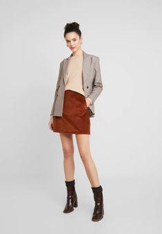 Vero Moda VMDOFFY ONECK - Pullover - tobacco brown melange - ZALANDO.FR Nylons, Quoi Porter, Mannequin, Hipster, Pullover, My Style, Brown, Fashion, Feminine Fashion