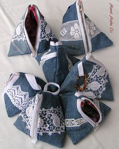 Crochet or knit denim bags from old jeans - Making your own yarn from recycled materials or clothing is a great way to DIY your wardrobe. Artisanats Denim, Denim Purse, Diy Jeans, Jean Crafts, Denim Crafts, Diy Bags Purses, Denim Ideas, Sewing, Leather Wallets