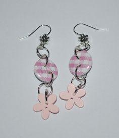 Vaaleanpunaiset kukkanappi korvakorut, Leonora