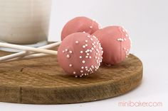 Strawberry Lemonade Cake Pops #recipe