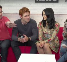 Riverdale Memes, Riverdale Cast, Riverdale Archie And Veronica, Camilla Mendes, The Cw, Celebs, Celebrities, Celebrity Crush, American Actress