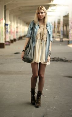 Street style! Am I seeing something boho here?