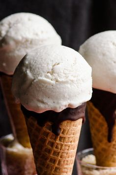 Vegan vanilla ice cream made with coconut milk, maple syrup and vanilla extract. Gluten free, dairy free and delicious coconut ice cream recipe. | ifoodreal.com