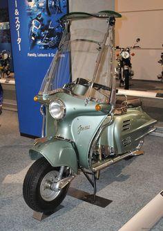 1954 Honda Juno Motor Scooters, Vespa Scooters, Classic Vespa, Motos Honda, Moto Cafe, Scooter Motorcycle, Vespa Lambretta, Scooter Girl, Futuristic Cars