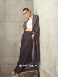 Featured frame: Blush 703. Model: Soekie Gravenhorst (Paparazzi Models)