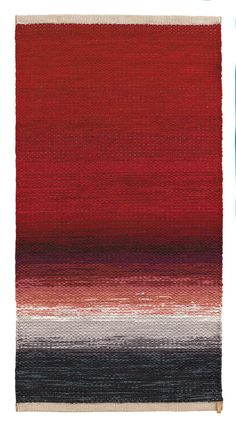 Vandra Rugs     #red  #vandrarugs  #gradient  #inredning  #room  #rug  #carpet  #ragrug  #homedecor  #interiordecor  #interiordesign  #Scandinaviandesign  #homeinspo  #heminredning