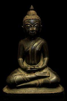 Extremely Rare Early 17C Bronze Ayuttaya Thai Buddha