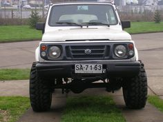 Suzuki Samurai II (I like the grill!)