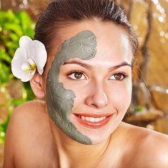 Глина в сочетании с окисью цинка обладает великолепными свойствами. Она одновременно бережно подсушивает и очищает кожу, что помогает справиться с назойливыми воспалениями и угревой сыпью. Маска из глины + окись цинка рецепт: Mask For Oily Skin, Home Remedies For Skin, Clay Masks, Beauty Hacks Video, Fair Skin, Facial Masks, Skin Care, Pure Products, Spa Treatments