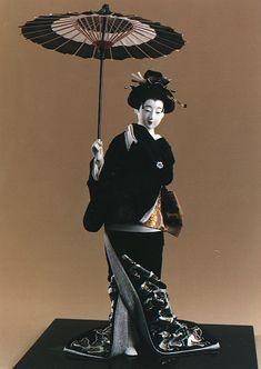A geisha doll made by Shisui Sekihara.