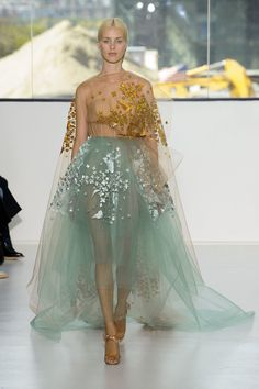Pin for Later: Behold, the Most Gorgeous Gowns of Fashion Week Delpozo Spring 2015 Couture Mode, Couture Fashion, Runway Fashion, Fashion Show, Fashion Design, Spring Summer 2015, Spring Summer Fashion, Dress Couture, Best Gowns
