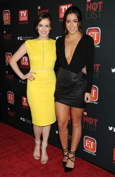 Two reasons to watch Agents of Shield! Chloe Bennett and Elizabeth Henstridge Chloe Bennett, Elizabeth Henstridge, Marvel Girls, Marvel Heroes, Hot Brunette, Beautiful Celebrities, Sexy Legs, My Girl, Look