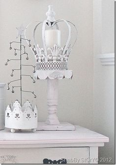 shabby story...love this idea, Lynn! I want a wire tree! Love the crown/candle/stand, too.