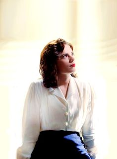 Beautiful Haley Atwell As Agent Carter Marvel Universe Hayley Atwell Peggy Carter, Hayley Elizabeth Atwell, Haley Atwell, Elizabeth Bennet, Marvel Women, Marvel Girls, Marvel Avengers, Stan Lee, Zendaya