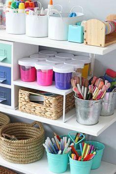 Kids art space, small craft rooms и kids bedroom. Kids Art Space, Art For Kids, Kid Art, Small Craft Rooms, Playroom Organization, Organization Ideas, Storage Ideas, Kids Craft Storage, Kid Spaces