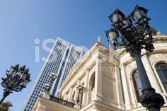 Frankfurt, Alte Oper und Opernturm – lizenzfreie Stock-Fotografie