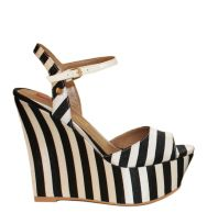 From that high you'll like the scene! YOU'LL LOVE IT! Visit it on www.lecoccinellestore.it/Love_Moschino