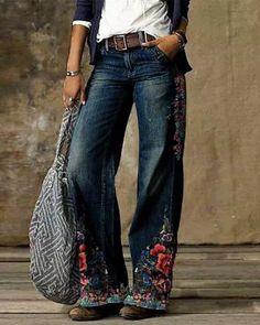 US$ 32.36 - Blue Floral Casual Print Pants - m.dressisi.com Boyfriend Jeans Damen, Baggy Jeans Damen, Loose Jeans, Wide Leg Jeans, Ripped Jeans, Skinny Jeans, Jeans Casual, Casual Tie, Casual Fall