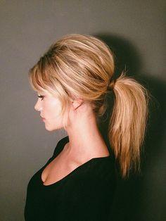 Voluminous ponytail tutorial