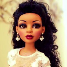 This is a gorgeous doll!!  She is Angelique.  Just love it!!!!