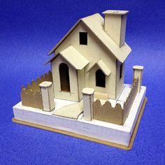 """View topic - another look built with the """"basic cottage pattern"""". Fairy Tree Houses, Putz Houses, Doll Houses, Christmas Tree Village Display, Christmas Houses, Doll House Crafts, Home Crafts, Victorian Dollhouse, Modern Dollhouse"""