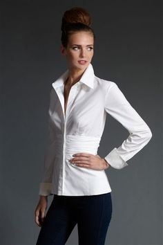 Nice white shirt, jeans and top bun - Miladies.net