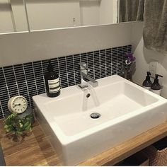 女性で、4LDKのタイル/シンプルライフ/DURAVIT/洗面台/名古屋モザイク/Aesop…などについてのインテリア実例を紹介。(この写真は 2016-04-12 01:25:00 に共有されました)