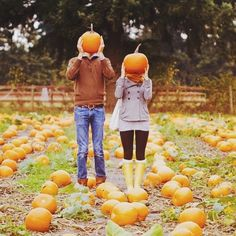 9 Adorable Pictures to Take with Your SO This Fall | Her Campus