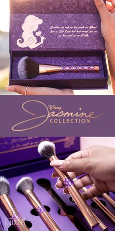 Officially licensed Disney Princess Jasmine makeup brush set.
