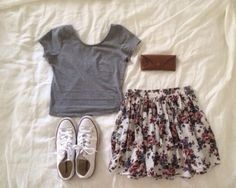 skirt flowery skirt blouse t-shirt shoes lovley pink skirt floral skirt short skirt