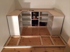 Køkkenskabene er fra IKEA