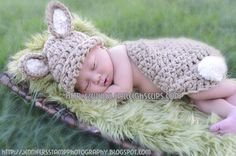 THIS LISTING IS FOR A CROCHET PATTERN ONLY; NOT A FINISHED PRODUCT  Introducing my new line of Photography Props - Cuddle Critter Cape sets are for use in Newborn photography. Great for photographers to have on had for sessions. Designed to make it simple if a baby is sleeping on there tummy just slide on the hat and you now have a cute little baby dressed up like your favorite critter. ****This Set is for the Bunny Rabbit. I use bulky weight yarn . Its design features little bunny ears and…