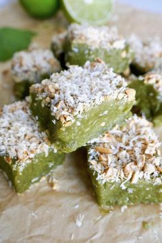 These no bake cashew lime energy bites are the perfect shot of nutrition to keep you fueled and energized throughout the day. They're gluten free, dairy free, vegan, and free from refined sugar. Foods With Gluten, Vegan Foods, Vegan Desserts, Vegan Meals, Gluten Free Baking, Vegan Gluten Free, Protein Snacks, Healthy Snacks, Energy Bites