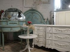 Painted Cottage Chic Shabby Aqua Queen Romance Bed in Collingswood, New Jersey ~ Apartment Therapy Classifieds
