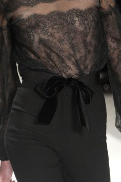 Monique Lhuillier Fall 2011 - Details