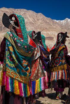 https://flic.kr/p/wA5iFH | Perak. Ladakh, India | Ladakhi women wearing the traditional clothes and headdresses called Perak at the Silk Route Festival held in Sumur, Ladakh, Jammu and Kashmir, India.