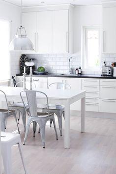 My kitchen / MITT VITA HUS