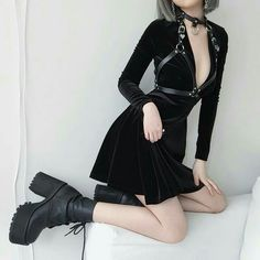 Currently in a lot of pain because of cramps but that's not going to stop me from looking and feeling like a badass boss. Gothic Outfits, Edgy Outfits, Mode Outfits, Grunge Outfits, Pretty Outfits, Girl Outfits, Fashion Outfits, Womens Fashion, Cheap Fashion