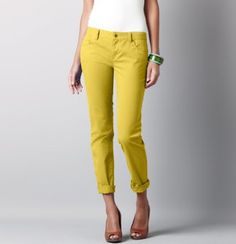 love yellow crop pants for spring! So cute...Big brown belt would finish the look