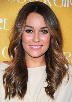 Lauren Conrad as a brunette. Love this look on her. Think I'm going to give it a whirl this fall...