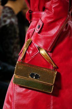 b319ca902 32 melhores imagens de Clutch para alugar   Bags, Evening bags e ...