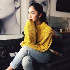 Julia Barretto is more than just a pretty face. This girl has a multitude of qualities that make her so inspiring! Teen Fashion, Love Fashion, Fashion Models, Julia Baretto, Filipina Beauty, Creative Shot, Posing Guide, Italian Fashion, Woman Crush