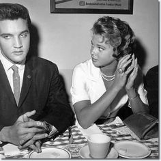 Elvis Presley and Elvis and Juliet Prowse : September 12, 1960 There is a special screening of G.I. Blues, attended by both Elvis and Juliet Prowse.