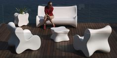 UFO - Contemporary table / polyethylene / oval / garden by VONDOM Contemporary Outdoor Furniture, Contemporary Garden, Karim Rashid, Outdoor Lounge, Outdoor Life, Living Room Seating, Living Room Furniture, Furniture Styles, Furniture Design