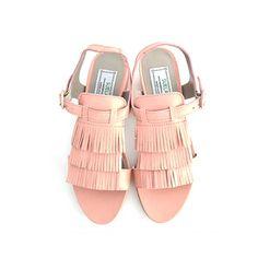 Sandalias planas de piel color rosa palo con flecos http://www.suelashoes.com/index.php?id_product=64&controller=product